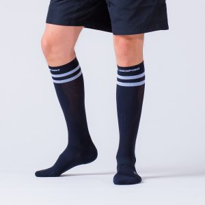 compression-sock-black-striped-3